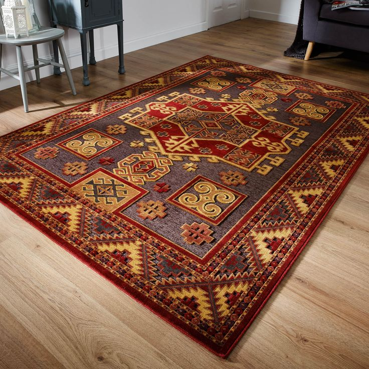 Mayfair Sultan Emerald Rugs Feature A Timeless Traditional Design In Warm Red And Gold Colour Tones