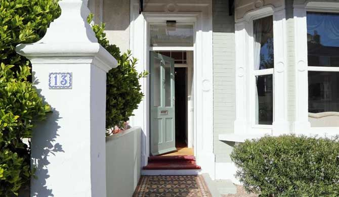 Ramsgate Townhouse Ramsgate Townhouse is a comfortable large holiday home in a sought after position close to the sea and minutes from a sandy beach.    This self catering seaside holiday home is perfect for a... #Holiday #homes  #Travel #Backpackers #Accommodation #Budget