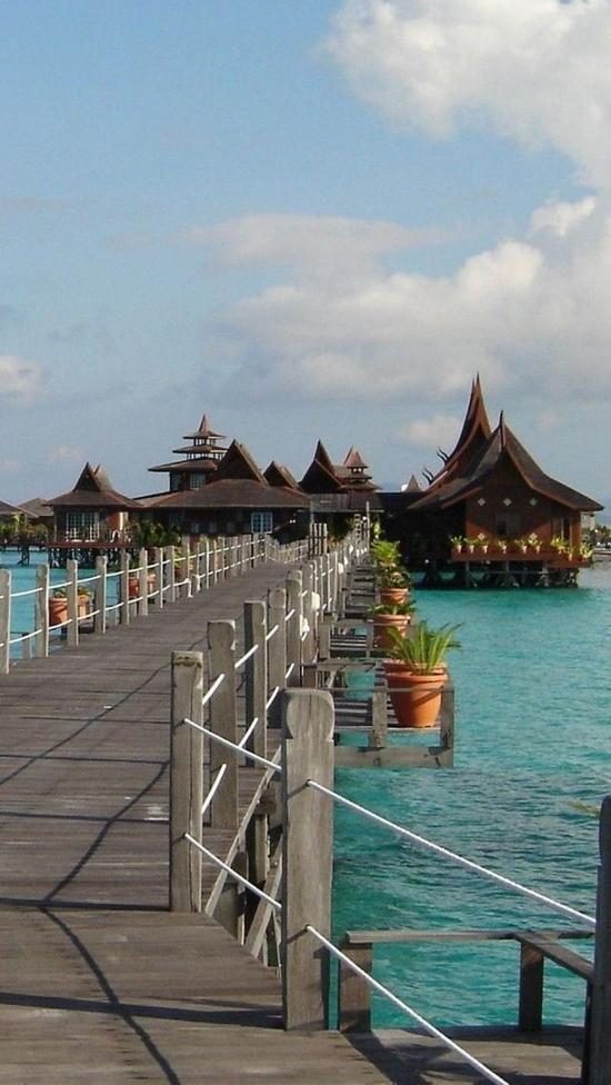 The island of Sipadan, Malaysia | Wonderful Places