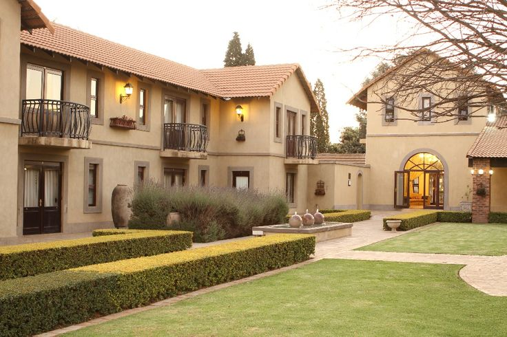 Do you need to get away from the hustle and bustle of Johannesburg? Did you know there is this tranquil & Stylish Tuscan lifestyle awaiting you in Midrand? Accolades Boutique Venue will have you feeling this unique sense of belonging whilst you wonder through this Tuscan paradise. Whether you book in for a night or the entire weekend you just cannot afford not to come and experience this breathtaking venue. Book your spot today and experience what true luxury is! C…
