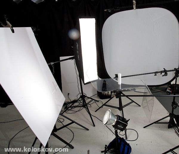 DIY shooting table to shoot on white. Shooting table on clear plexiglass product photography lighting setup. & 21 best Lighting setup for product photography images on Pinterest ... azcodes.com