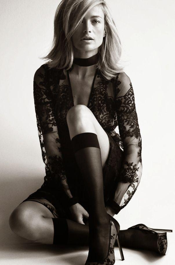 Vogue Paris Agosto 2014 | Carolyn Murphy por Patrick Demarchelier [Editorial]