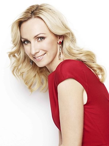 LISA MCCUNE ~ (born 19 February 1971) is a four-time Gold Logie Award winning Australian actress, best known for her role as Senior Constable Maggie Doyle in Blue Heelers, and as Lt. Kate McGregor in Sea Patrol.