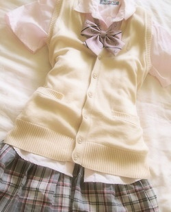 Japanese school uniform <3 they are so cute!!: