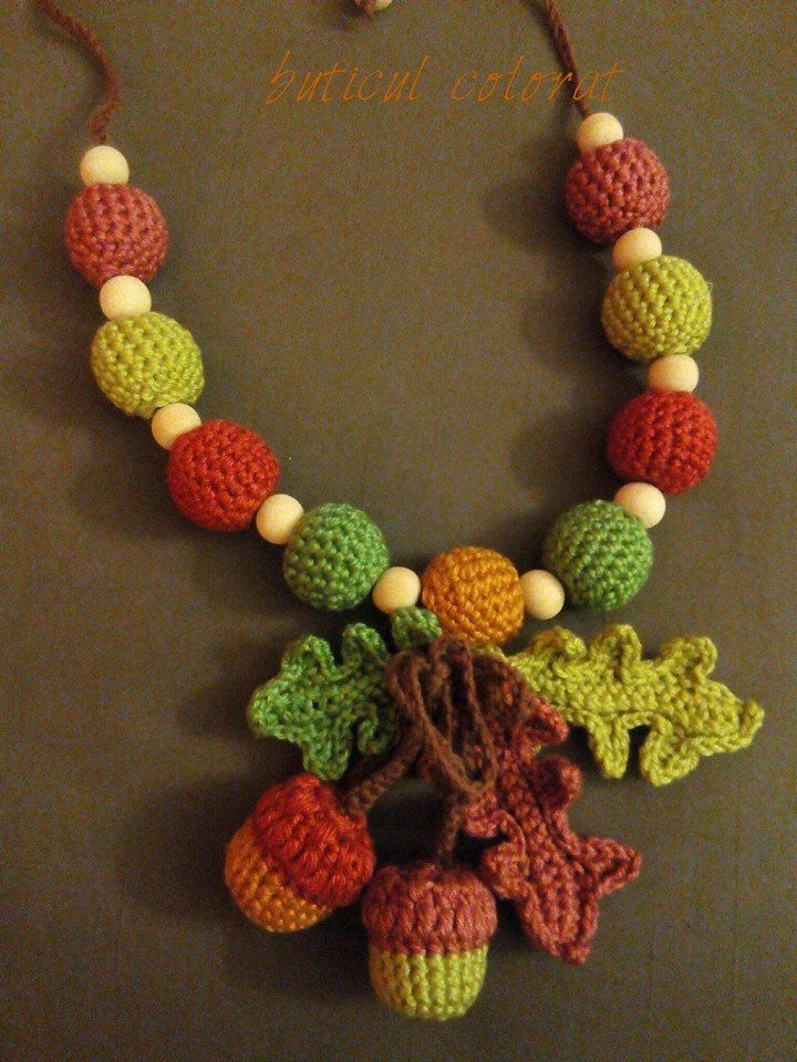 Babywearing necklace, nursing necklace, crochet beads necklace, acorn, oak leaves, crochet, mommy gift, baby friendly, autumn inspiration by ButiculColorat on Etsy