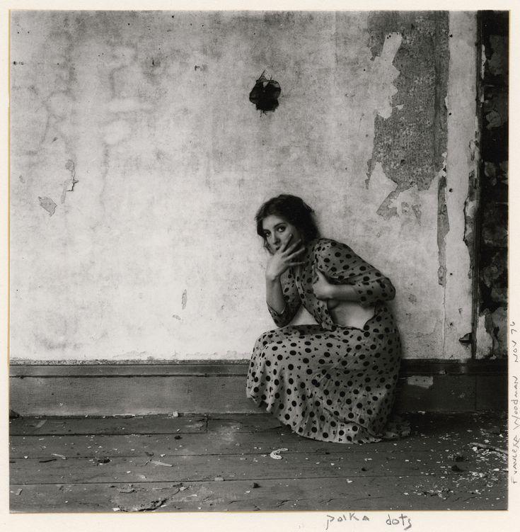 o suicídio da fotógrafa francesca woodman, segundo o filósofo arthur danto