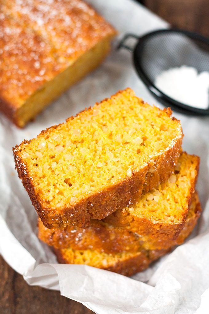 Saftiger Karottenkuchen mit Apfelmus. Schnell, leichter und unglaublich lecker - http://Kochkarussell.com