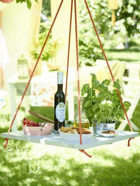 Freunde und Familien haben sich für die nächste Grillparty angekündigt. Wir hätten noch vier einfache Deko-Ideen für den Garten, die sich schnell umsetzen lassen.