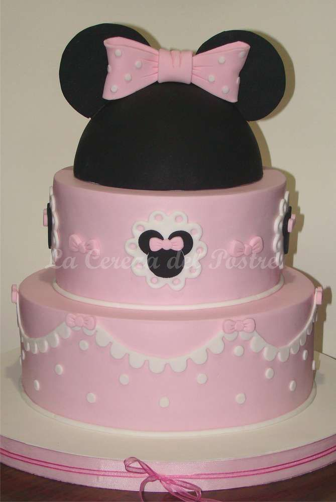 First Year Minnie Mouse Cake | CatchMyParty.com