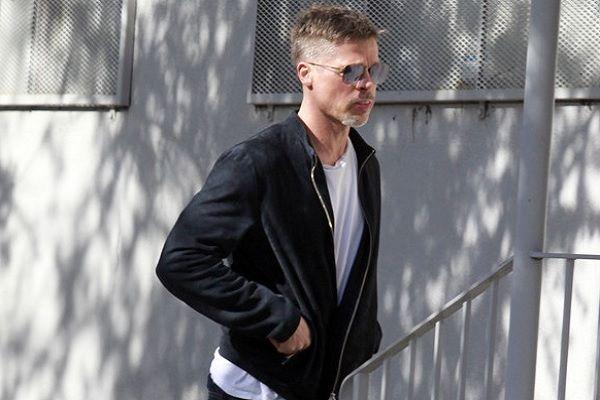 Nas ruas de Los Angeles, Brad Pitt chama atenção por conta da magreza #Ator, #Atriz, #BradPitt, #Camiseta, #Famosos, #Fotógrafos, #Gente, #Globo, #Gretchen, #Hollywood, #M, #Noticias, #Preta http://popzone.tv/2017/04/nas-ruas-de-los-angeles-brad-pitt-chama-atencao-por-conta-da-magreza.html
