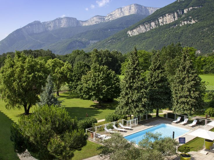 NOVOTEL GRENOBLE NORD: Take a breath of fresh air at the Novotel Grenoble Nord Voreppe hotel. Nestled in an open expanse at the foot of the…