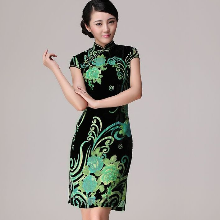 Shop elegant silk cheongsam, traditional Chinese red bridal dresses, sexy modernize Qipao from www.ModernQipao.com. Save 6% by share our products. Green and black floral short qipao silk velvet cheongsam dress