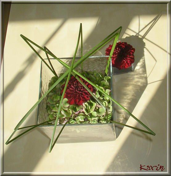 Bloemstuk: glas in glas met hortensia en dahlia's - bloemstuk in glazen accubak maken