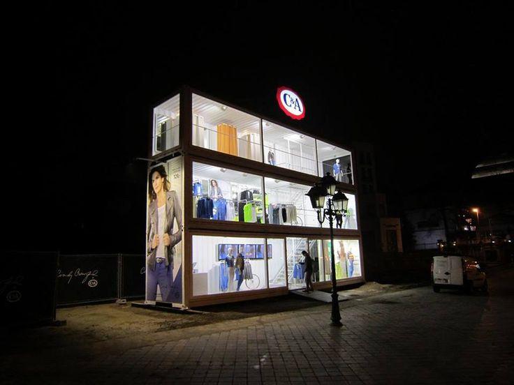 Consider a pop-up design where your space becomes  a night time landmark! dans-ta-pub-pop-up-store-creatif-original-compilation-7