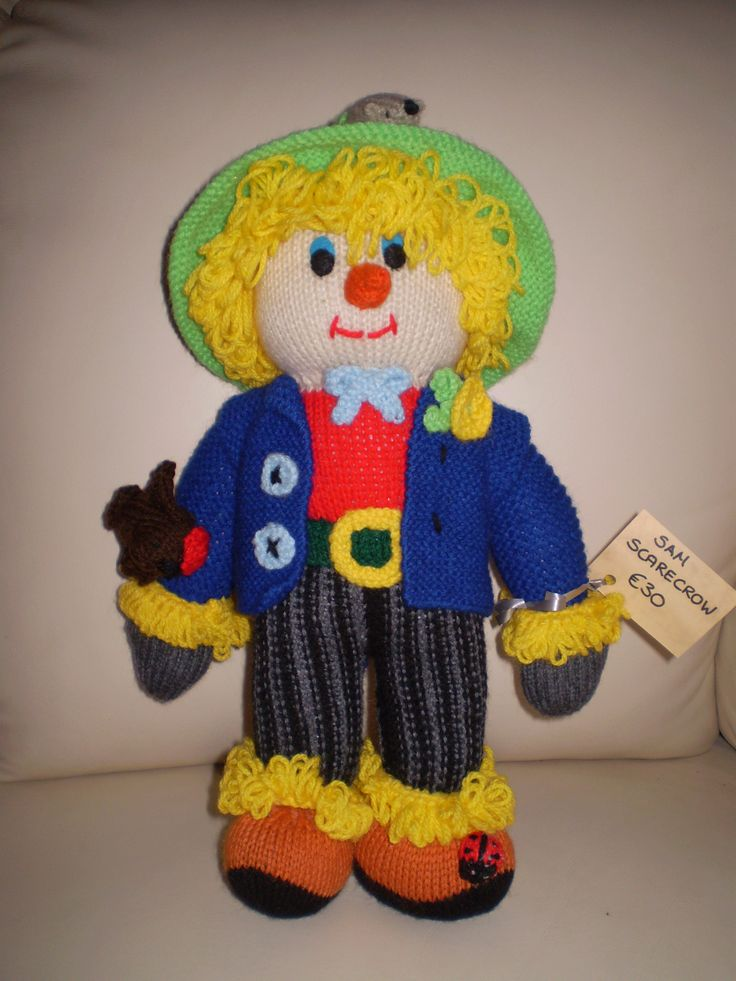 Sam Scarecrow. 35 cms high. Lots of detail. Mail me