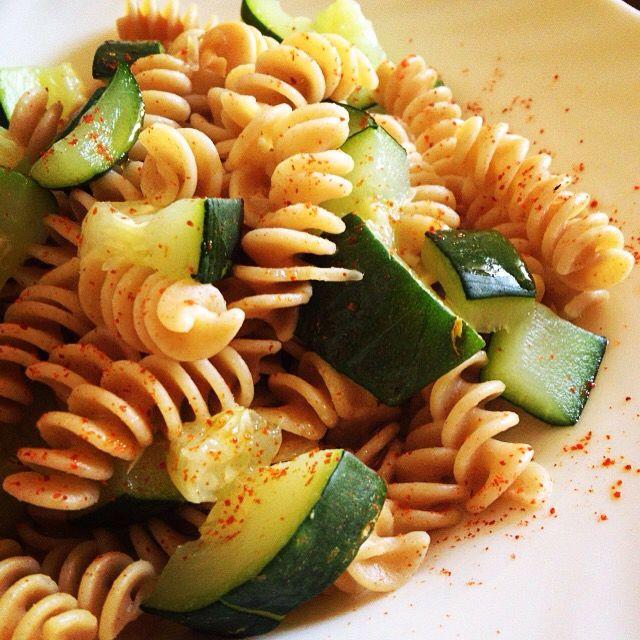 Un #pranzo semplice... per chi ha esagerato a #colazione: #fusilli, #peperoncino e #zucchine   Seguiteci su www.ricettelastminute.com   #ricetta #ricette #food #foods #foodie #foodpic #foodgasm #foodporn #instafood #healthyfood #foodstagram #veganfoodshare #foodpics #goodfood #italy #italia #sicily #sicilia #catania #me