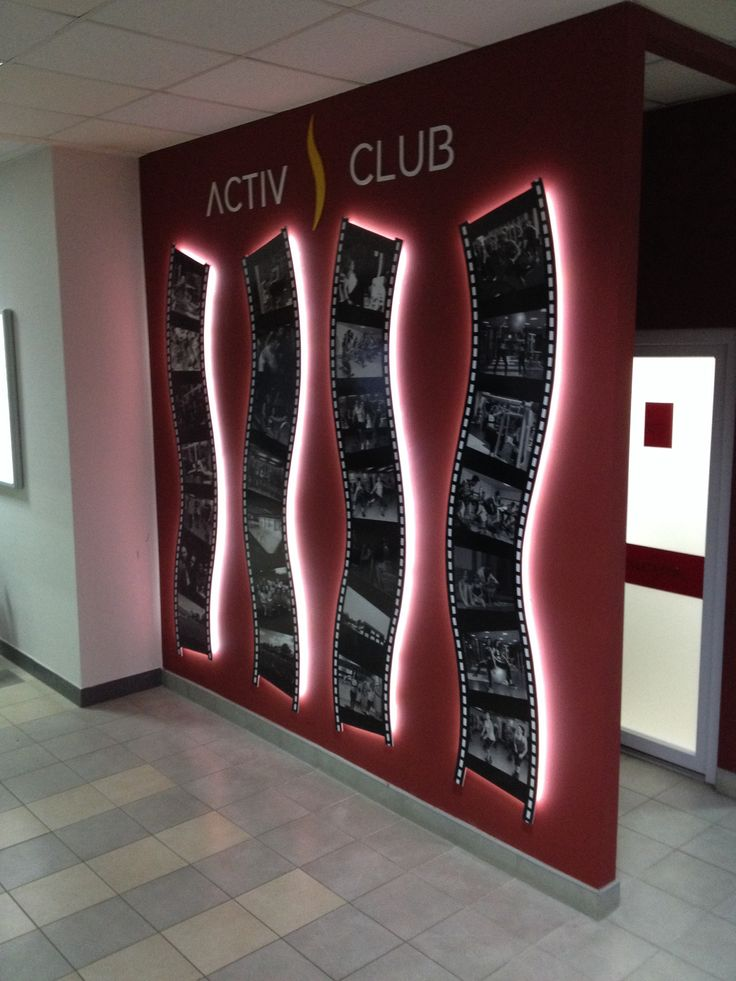 Indoor LED and prints, with a curved support, thanking the clients of Activ Club