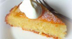 Ένα παραδοσιακό Ελληνικό γλυκό.  Μια συνταγή για γιαουρτόπιτα σιροπιασμένη για να την απολαύσετε σκέτη, ή με φιλέ αμυγδάλου, ή με σαντιγί ή...