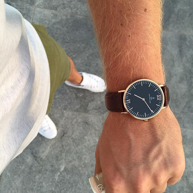perfect man watch: black dial and brown strap by @patrickpepee | kapten-son.com