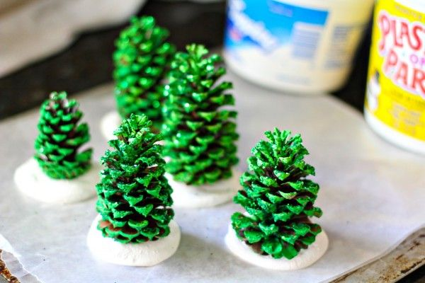 DIY : pine cone christmas trees - Recyclart