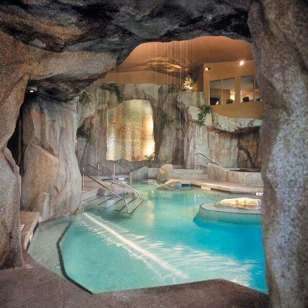I wanna inside pool like this in my house #NoTan lol