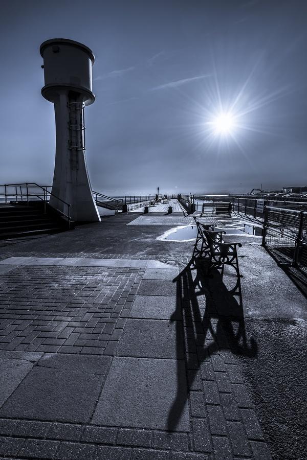 Littlehampton Lighthouse, West Sussex  by Robert Maynard, via 500px.