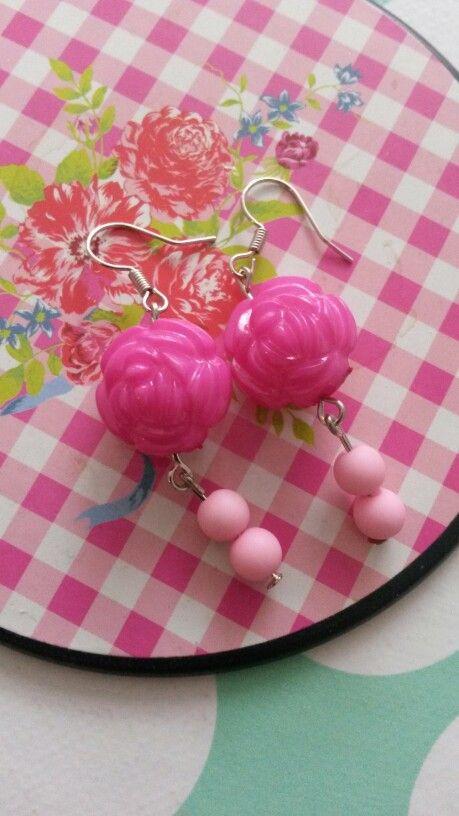#watdoetvanessanu zelfgemaakt diy oorbellen zoet geluk gift roze sierraad