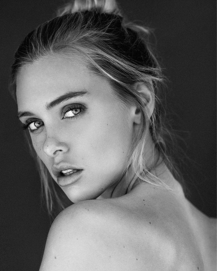 Ellie Gerber Nude Photos 86