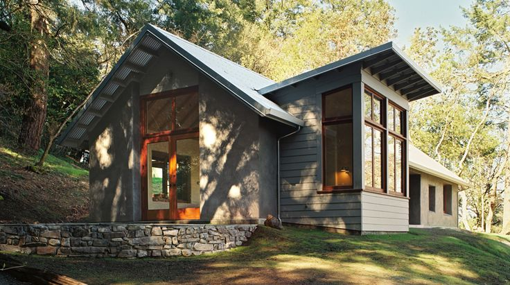 Straw bale construction for this small family retreat house 1200 sf _______[Siegel & Strain Architects - Wine Creek Road Residence]