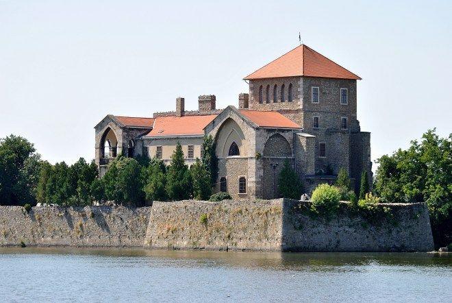 Castelo de Tata