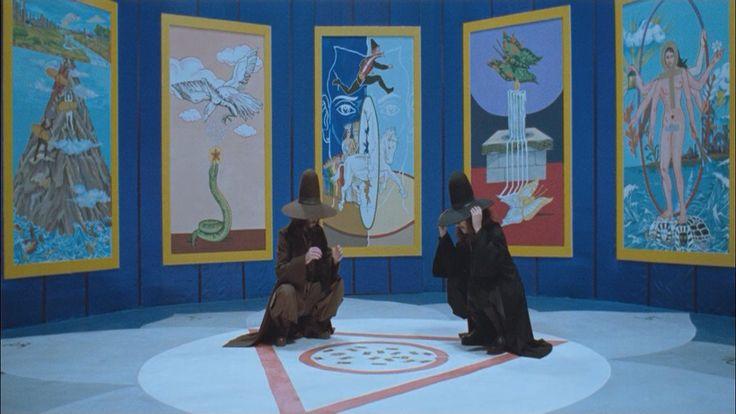 Jodorowsky y Camoin, son hoy maestros reconocidos, y de la mano de ellos es recomendable la iniciación en este juego que es a la vez revelación