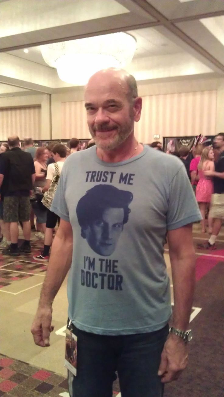 Heh.. the Doctor indeed.. They should have Robert Picardo do a cameo..and if you don't get this, you are not a Geek!