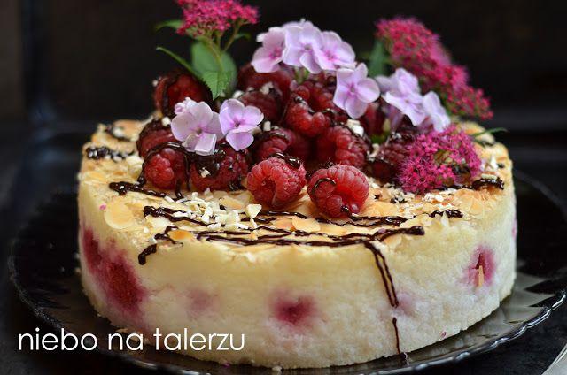 Ciasto z ryżu z malinami, bez pieczenia, niecodzienny i niezwykły przepis. Szybkie i łatwe ciasto, które nie opada, bo nie wymaga użycia piekarnika.