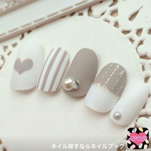 grey white nail art