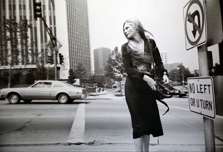 winogrand_60.jpg (800×546) | Photo by Garry Winogrand
