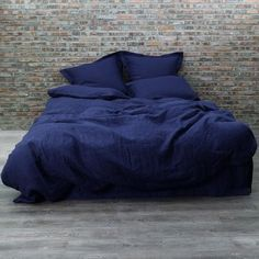 Our Linen Duvet cover Indigo Blue is easy to fit and available in various sizes...