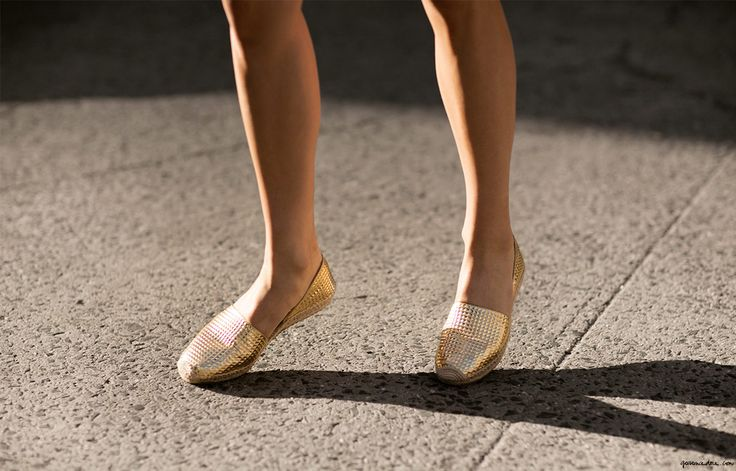 Of course these gorgeous gold textured espadrilles on Garance Dore are by Jimmy Choo. Of course they are. *Damndamndamn*