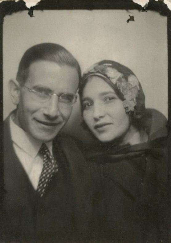 ** Vintage Photo Booth Picture **   Beautiful couple:
