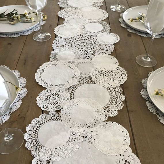 PRETTIE TABLE RUNNER Shabby Rustic Paper Doilies - Diy, Weddings, Parties, Table Decor, Tablescape, Decoration Más