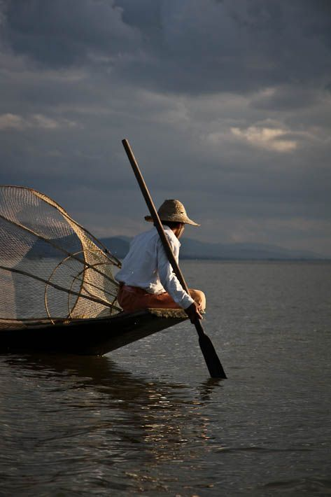 Myanmar is an incredible country.... We took this picture on the Inle Lake... More pics on http://lebigtrip.fr/le-lac-inle