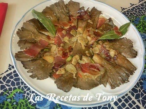 Vamos con una receta clásica y espectacular. SETAS SALTEADAS CON JAMÓN SERRANO AL AJILLO.  http://lasrecetasdetony.blogspot.com.es/2011/04/setas-sateadas-con-jamon-al-ajill.html