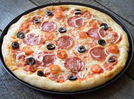 Ciasto do pizzy ze świeżymi drożdżami - przepis