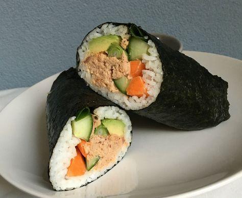 Eenvoudige maar pittige recept voor tonijn sushi burrito. Maak het in een handomdraai, eenvoudig en snel! Ook leuk om samen met je kindje te maken.