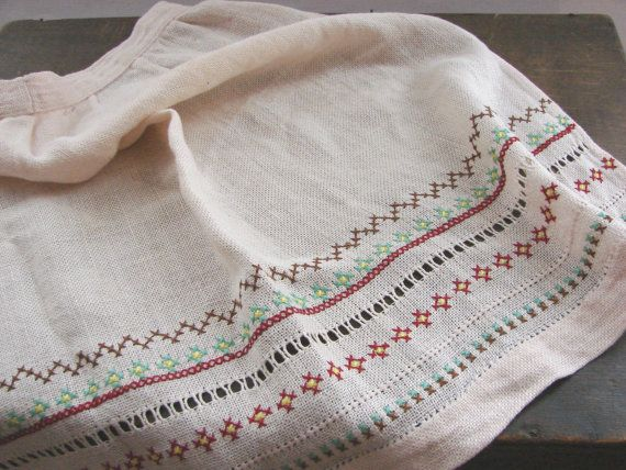 Hey, I found this really awesome Etsy listing at https://www.etsy.com/listing/214278105/vintage-swedish-apron-embroidered-linen