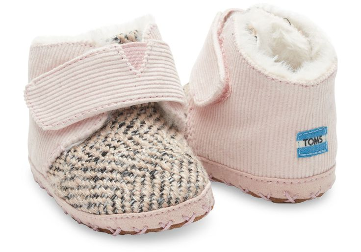 Keep your little one cozy in these soft, faux fur lined booties.