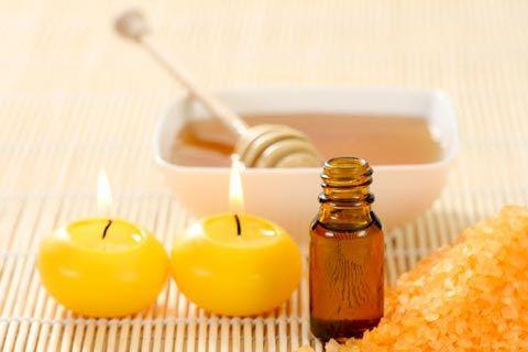 Massageöl selber machen - Rezepte und Anleitungen für pflegendes Honig Massageöl