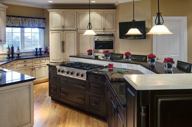 Traditional kitchen island decorating ideas multi level for Traditional kitchen lighting ideas