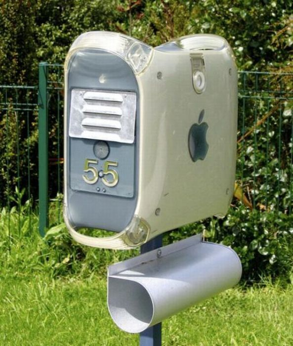 repurposed mac becomes mailbox in 2nd life...very cool: Ideas, Apple Computer, Stuff, Old Computers, Apples, Mac, Mailboxes, Mail Boxes, Diy