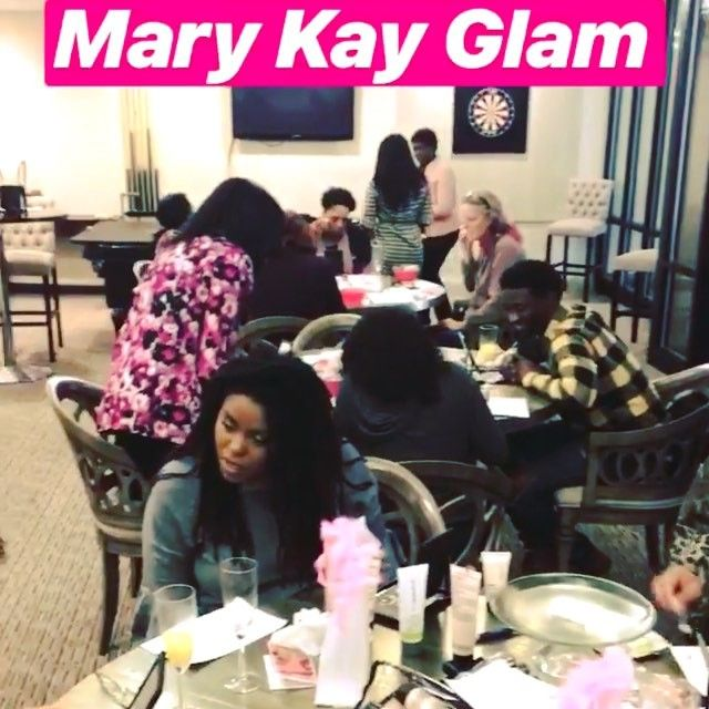 What is a #MaryKay #GLAM session? Mimosa-filled beauty experience Try $300 worth of products for absolutely #free  Complimentary facial & Natural glam finish. . . . #team #goals #squad #squadgoals #marykaymelanin #melanin #makeup #interior #house #atlanta #atlantamakeupartist #beauty #beautiful #slay #blackgirls #strongwomen #blackgirlmagic #money #2018