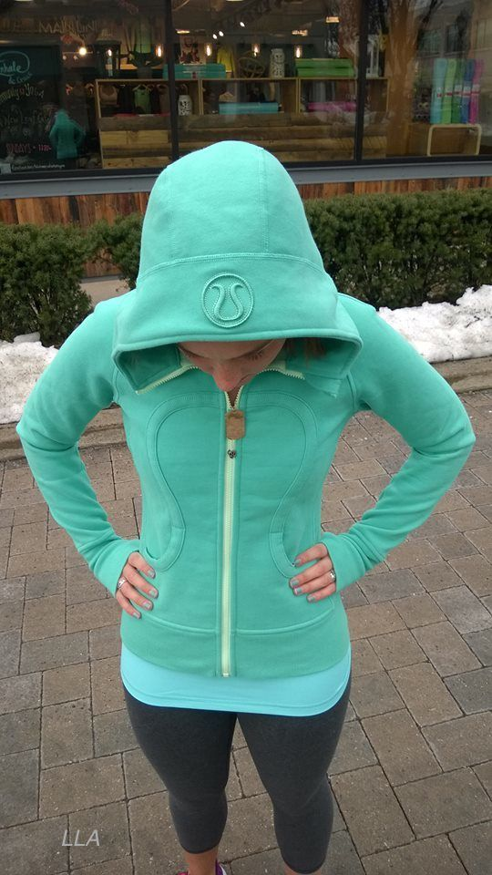 I love love love scuba hoodies and in this aqua color?!? Yes please :) *Nikki*